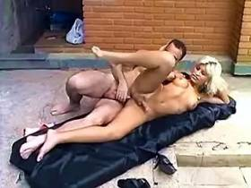 Hot tranny get cool ripping outdoor